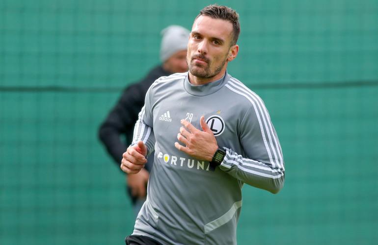 Legia Warszawa Vesović trenuje z piłką